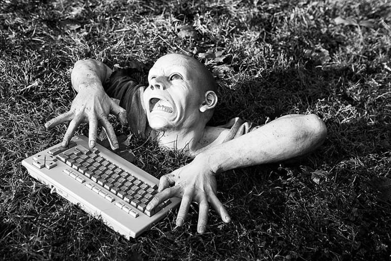 Çalışan-zombi-2-768x512