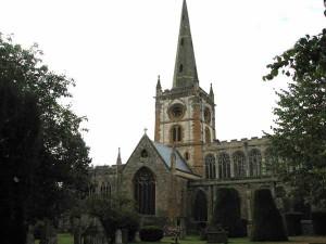Shakespeare'in Aile Mezarının Bulunduğu Kutsal Trinity Kilisesi (litstack.com)